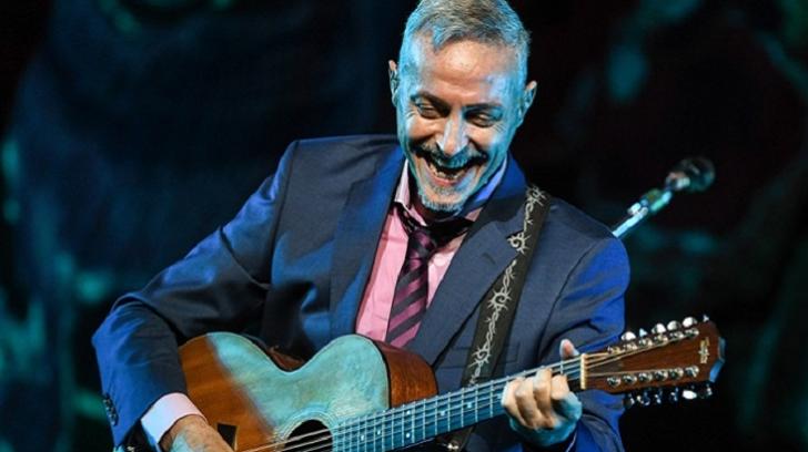 Pedro Aznar versiona a Chico Buarque y María Elena Walsh en el anticipo de su disco folclórico