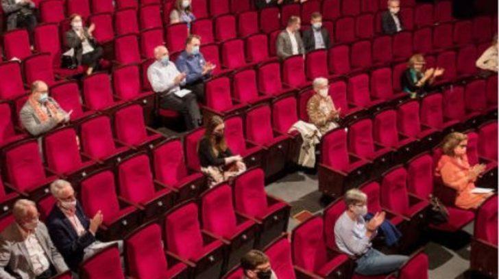 El teatro el cine y otros espacios culturales de la Ciudad de Buenos Aires vuelven a escena